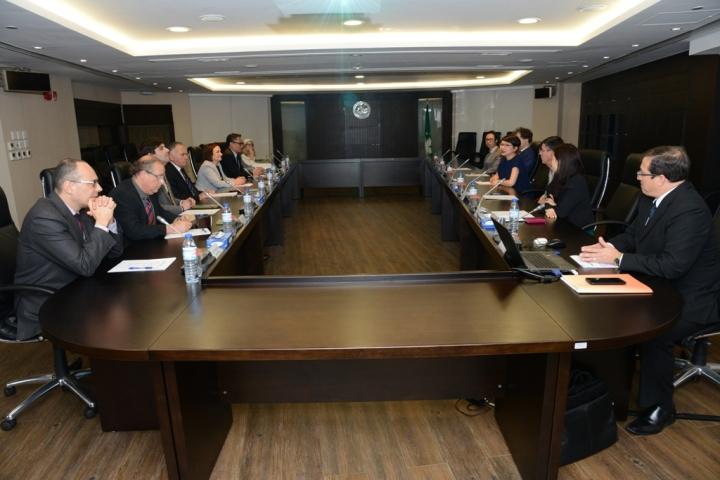 代表團一行與初級法院及行政法院姚頴珊院長等會面