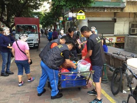 海關行動管理廳及食物安全中心人員聯同巡查