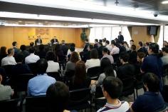 行政長官崔世安與經濟財政範疇部門座談,感謝他們在風災援助工作上的貢獻3