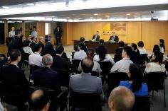 行政長官崔世安與經濟財政範疇部門座談,感謝他們在風災援助工作上的貢獻4