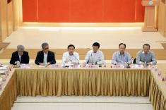 譚俊榮與澳門歸僑總會代表座談