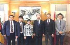 貿促局執行委員劉關華與中國駐莫桑比克特命全權大使蘇健(右三)和經濟商務參贊劉曉光(右二)合照