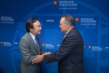 譚俊榮與葡萄牙衛生國務秘書Manuel Delgado