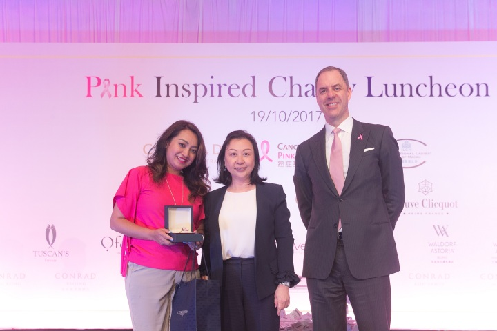Conrad Macao GM and Longines VP present the fabulous La Grande Classique de Longines watch exclusively to winner