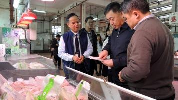 參觀祐漢街市向商販了解冰鮮禽輸澳與銷售情況