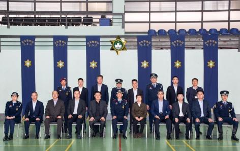 治安警察局官員與陳定武局長一行在治安警察局特警總部合影