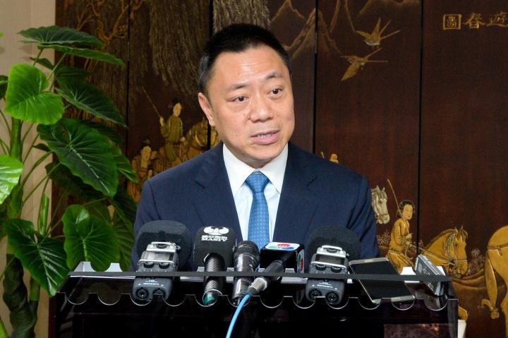 經濟財政司司長梁維特接受傳媒訪問
