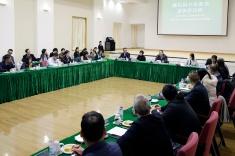 行政長官崔世安與離島區社區服務諮詢委員會,就社區議題及社諮會運作交流意見。