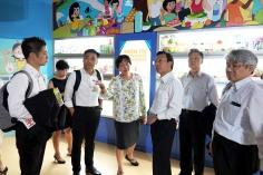 譚俊榮及衛生局團隊參觀新加坡健康推廣中心