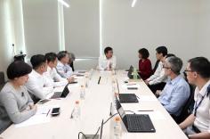 譚俊榮及衛生局團隊聽取新加坡衛生部介紹醫療政策