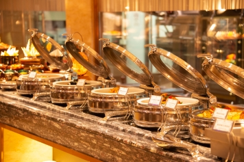 圖片_回力自助餐提供各式各樣的國際美食 Photo_The Jai Alai Buffet Offers a Wide Variety of International Delicacies