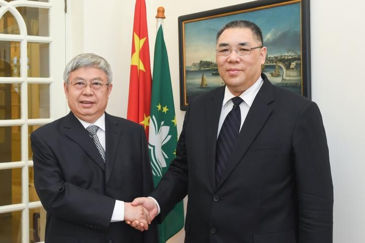 行政長官崔世安與國務院扶貧開發領導小組辦公室主任劉永富會面