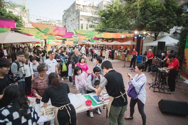 齊齊葡特色市集受旅客和市民圍觀,場面熱鬧