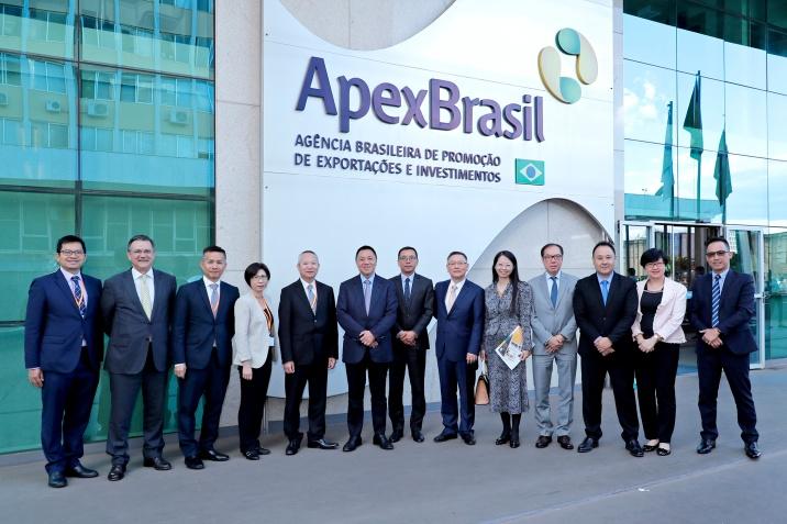 經濟財政司司長梁維特一行與巴西出口促進局APEX座談並合照
