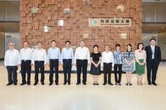 行政長官崔世安在珠海橫琴考察粵澳合作中醫藥科技產業園