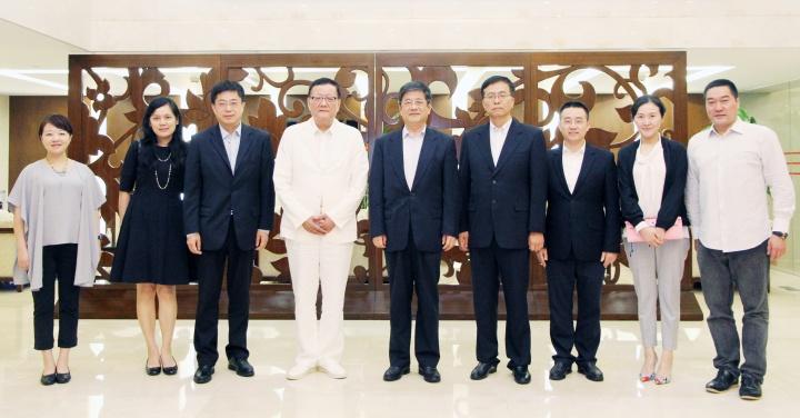 鄭曉松會見鳳凰衛視董事局主席劉長樂一行