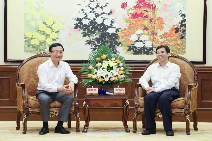 譚俊榮與佛山市市委常委丶副市長劉俊文座談