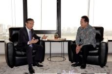 譚俊榮與創意經濟部長德里亞萬·穆納夫會談