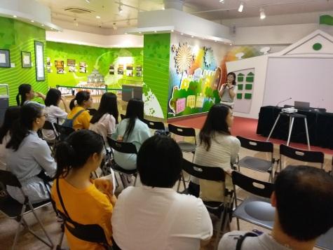 463 主辦單位與參加者分享活動成果