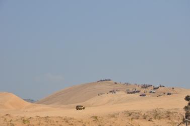 白沙丘是美奈玩沙的另一好去處