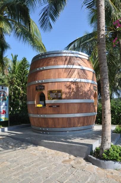 酒堡景區大受遊客歡迎