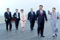 儀式後,中共中央總書記、國家主席習近平(右二),行政長官崔世安(右三)等主賓巡覽了港珠澳大橋。