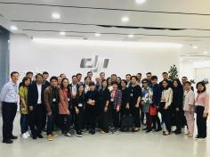 澳門企業家代表團於大疆創新科技有限公司合影