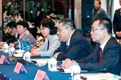 行政長官崔世安在與常州市委書記汪泉及市長丁純舉行座談時發言
