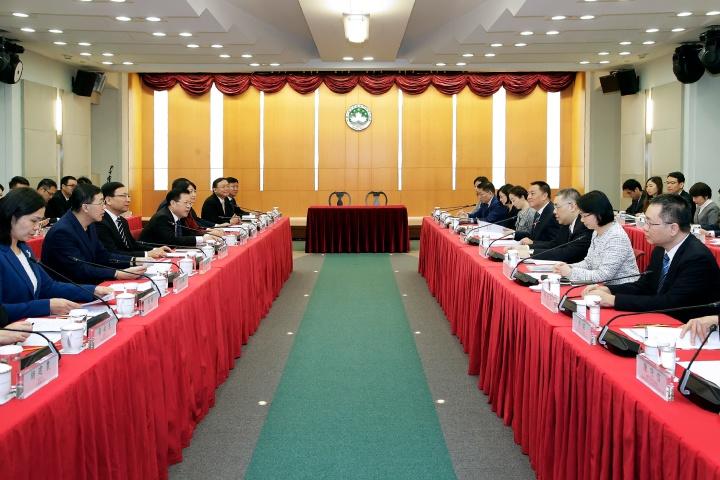 行政長官崔世安及深圳市市長陳如桂率領雙方政府官員出席2019年深澳合作會議