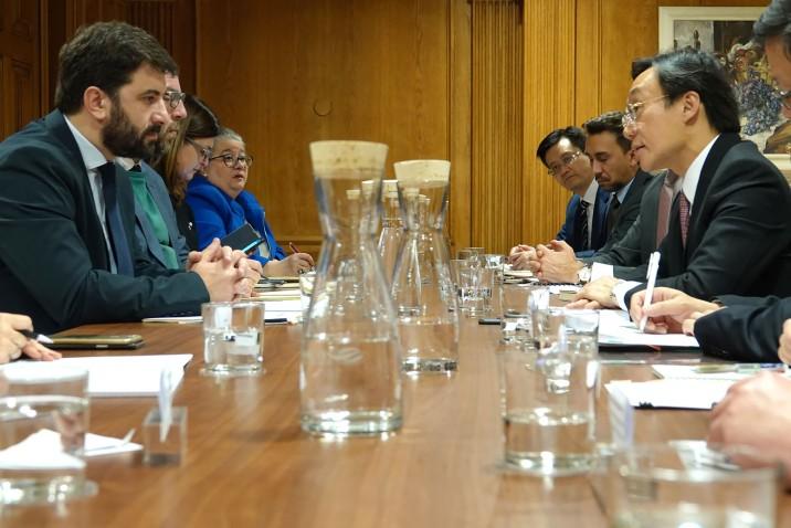 譚俊榮司長與羅德里格斯部長會談