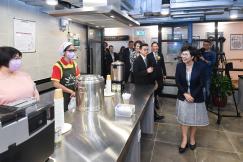 行政法務司司長陳海帆參觀活動中心設施