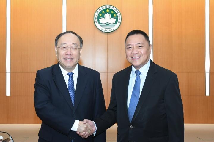 經濟財政司司長梁維特和國家商務部副部長王炳南共同主持內地與澳門經貿合作委員會第二次會議