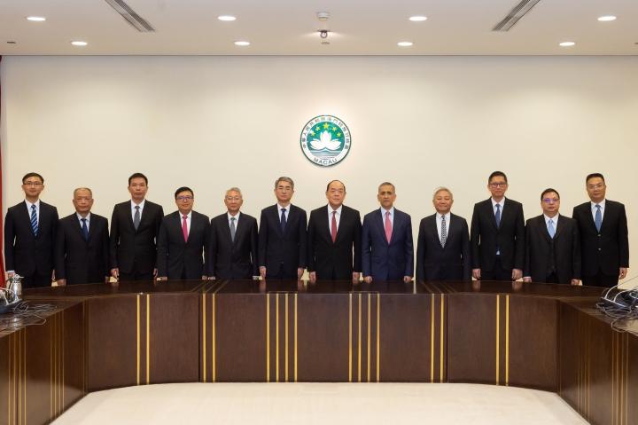 澳門特別行政區第五屆行政會召開首次會議