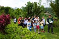 84 由導賞員帶領,認識荷花與自然環境的趣聞