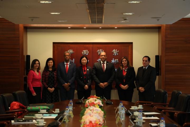 中國與葡語國家經貿合作論壇常設秘書處葡語國家派駐代表一行到訪澳門理工學院。