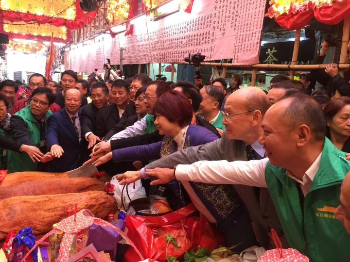 切燒豬儀式