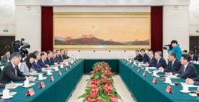 行政長官賀一誠與廣東省委書記李希及省長馬興瑞在廣州會面