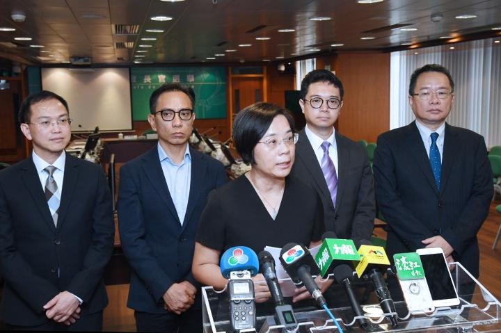 行政長官選舉管理委員會主席宋敏莉向傳媒介紹會議內容.jpg