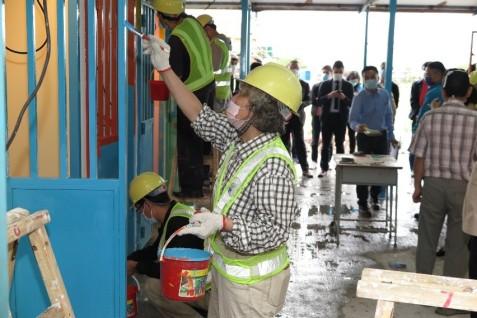 勞工局安排商會及休閒企業代表到場地了解學員培訓情況 (1)