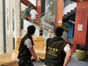 模擬有非法入境者闖入青年旅舍脅持人質