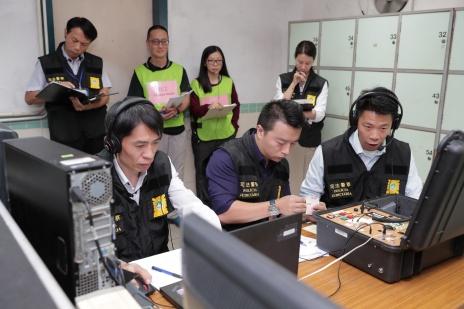 演練模擬﹕司法警察局危機談判小組成功說服滋事在囚人釋放其中1名人質