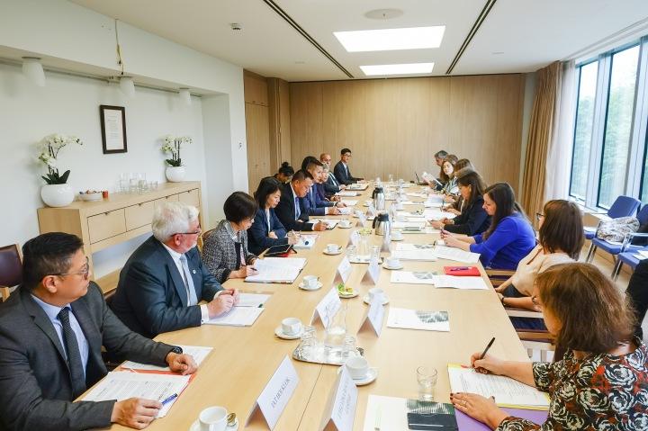 經濟財政司梁維特司長和歐盟對外事務部亞洲及太平洋區副總監Paola Pampaloni共同主持會議