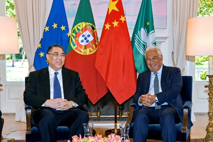 行政長官崔世安在里斯本拜會葡萄牙總理安東尼奧·路易士·桑托斯·達·科斯塔(António Luís Santos da Costa) (1)