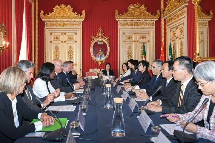 行政長官崔世安與葡萄牙外交部長奧古斯托·桑托斯·席爾瓦共同主持澳葡聯合委員會第六次會議 (1)