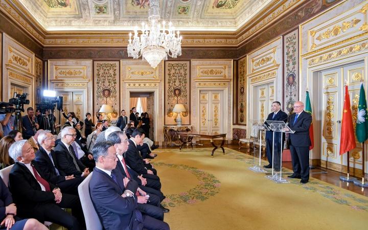 行政長官崔世安與葡萄牙外交部長奧古斯托·桑托斯·席爾瓦在會議後共同會見傳媒