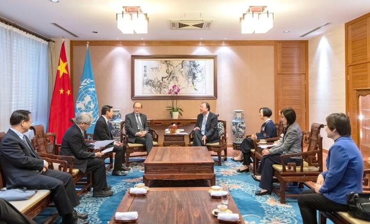 譚俊榮與國家衛生健康委員會主任馬曉偉以及中國常駐聯合國日內瓦辦事處和瑞士其他國際組織代表團特命全權大使、常駐代表陳旭會晤