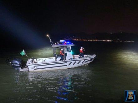 關員加強沿岸和海上截查工作 (1)