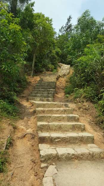 石梯挑戰遊人腳骨力
