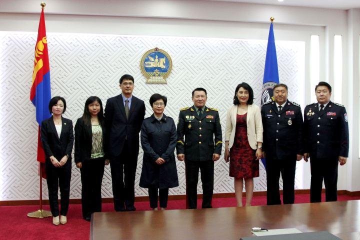 陳海帆司長一行參觀蒙古國內務大學