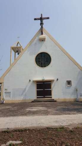 米蘭雕塑家麥善拿設計的耶穌十字架